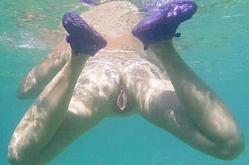 Under Water Pussy 98