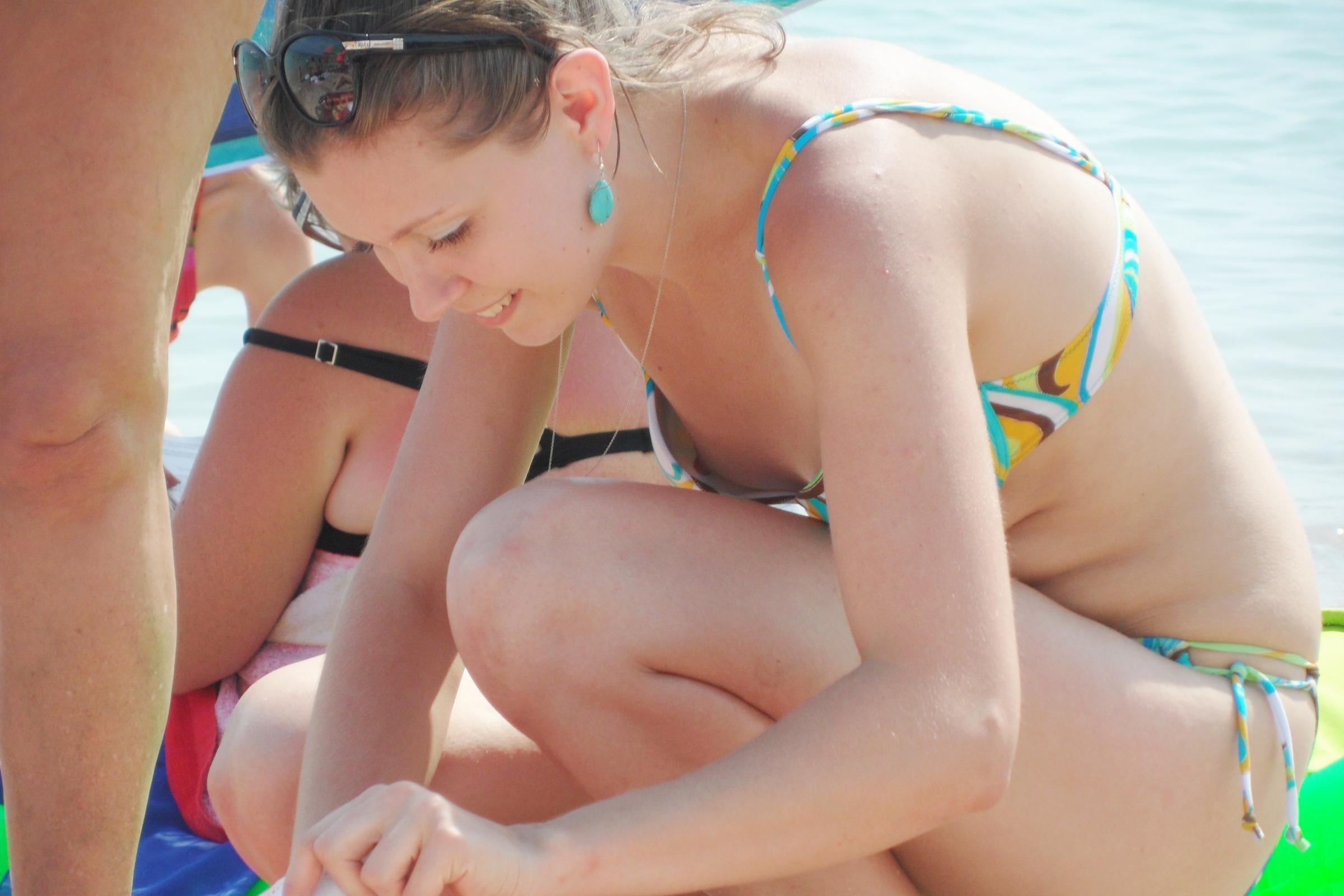 pics-teen-beach-downblouse-bikini-slips-sexy-nude-movies