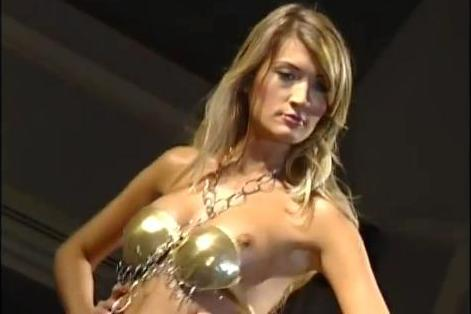 downblouse - model on runway having boobs exposedaccident
