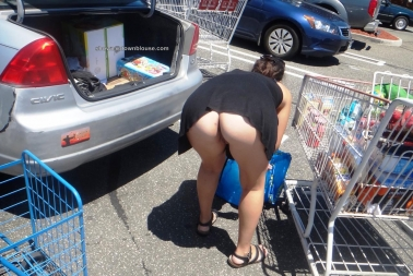 Another woman likes to go shopping pantyless